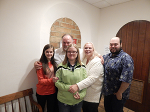 Newlyweds Chuck Lindsey & Melanie Yeary with their blended family